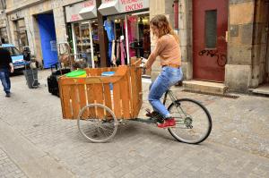 Le vélo-charette que nous utilisons pour récolter le marc de café dans les bars et restaurants